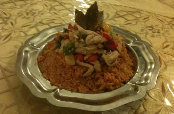 Émincés de dinde aux 3 poivrons accompagnés de riz à la tunisienne revisité