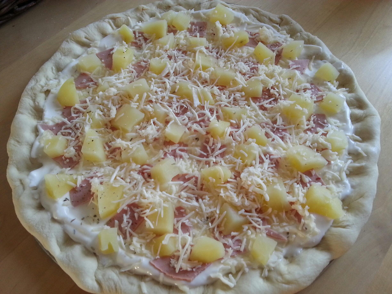 Pizza Au Jambon De Dinde Base Creme Fraiche Couzina Fr Cuisine