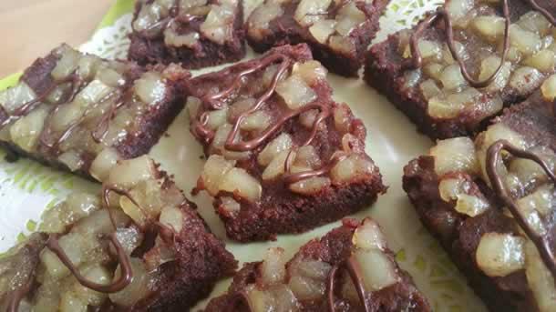 Délice de chocolat aux poires caramélisées