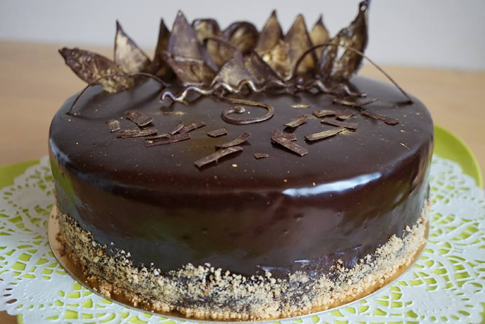 Le royal ou trianon recette traditionnelle cuisine du monde - Decoration gateau glacage royal ...