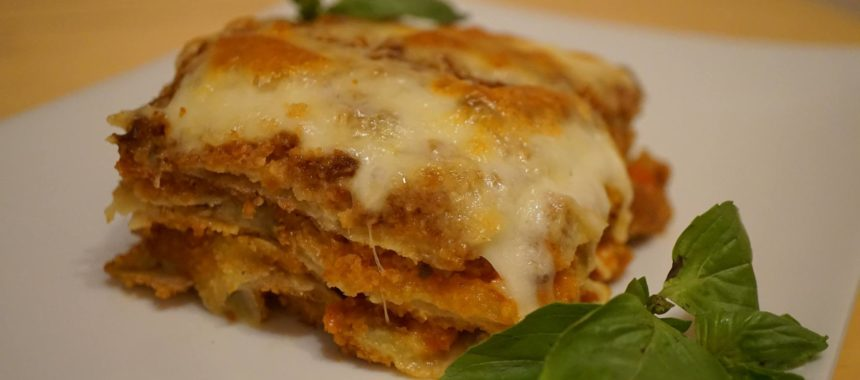 Parmigiana di melanzane (parmigiana d'aubergines)