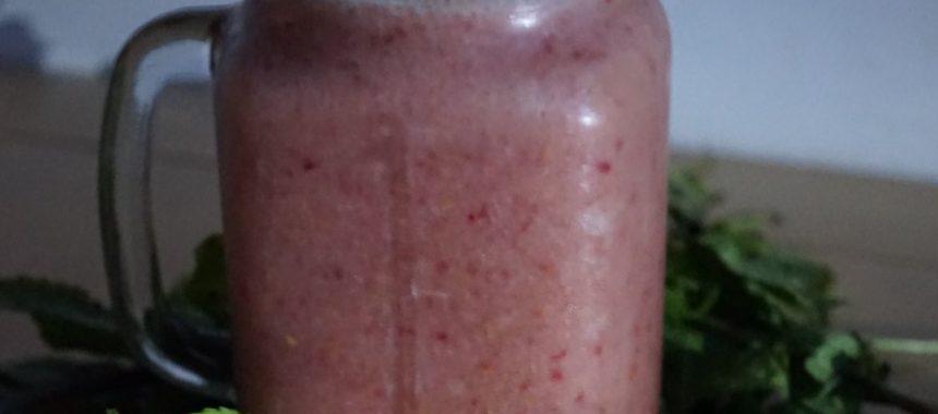 Smoothie abricots-framboises à l'eau gazeuse