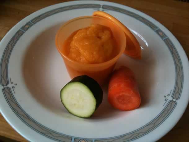 Purée de carottes et courgettes pour bébé (à partir de 4 mois)