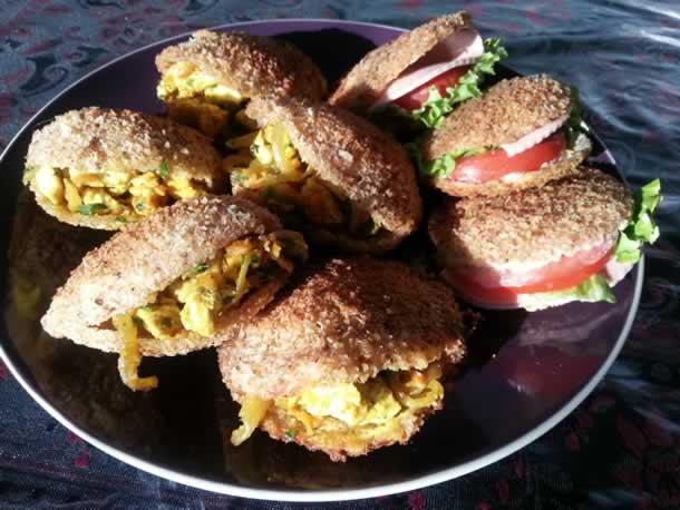 Beignets de pain de mie fourrés façon chicken tikka et fraîcheur
