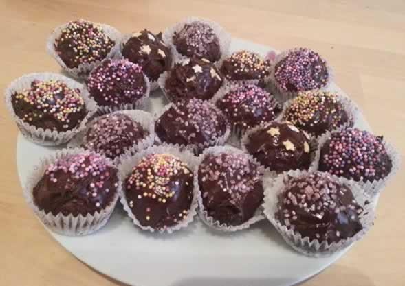 Bouchées aux amandes enrobées de chocolat noir
