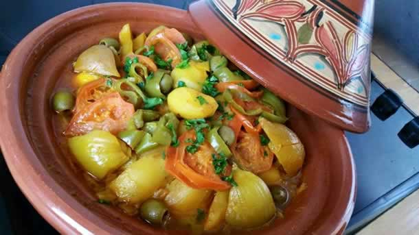Tajine de poulet aux pommes de terre/poivrons et oignons