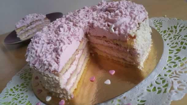 Gâteau Girly aromatisé aux fruits rouges
