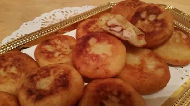 Croquettes de pommes de terre fourrées au poulet fumé