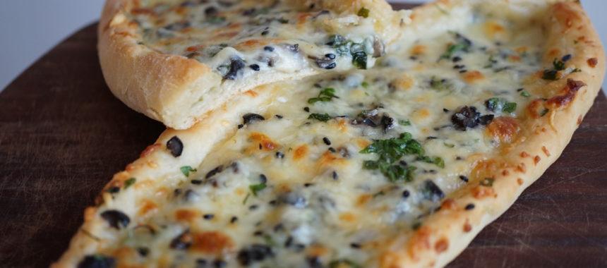 Pidé, pizzas turques