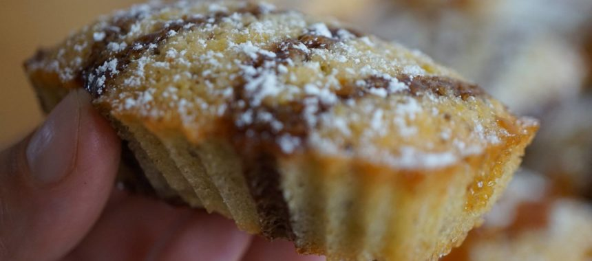 Financiers fourrés au chocolat, coulis choco et caramel au beurre salé