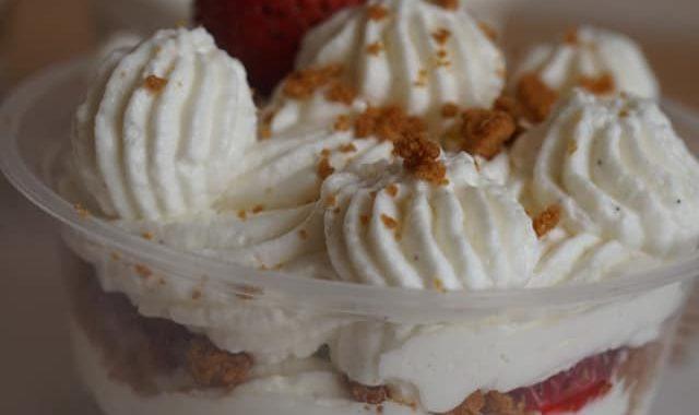 Tiramisus aux fraises à la chantilly mascarpone (sans oeufs)